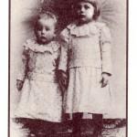 Werner Bergengruen mit seinem älteren Bruder Wolf, 1894