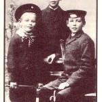 Werner Bergengruen mit Bruedern, 1903