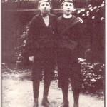 Die Brüder Olaf, Werner und Wolf Bergengruen (von links), 1903