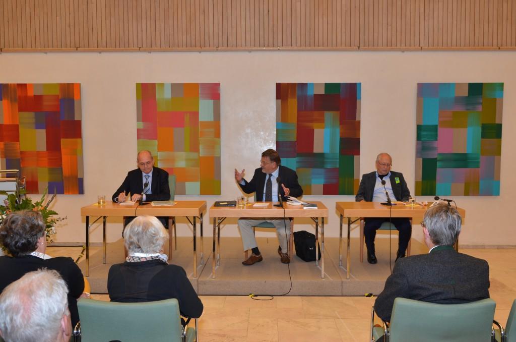 Podium v.l. Prof. Steinbach, Lange, Prof. Scholdt